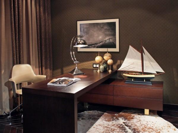 Дизайн кабинета в темных тонах